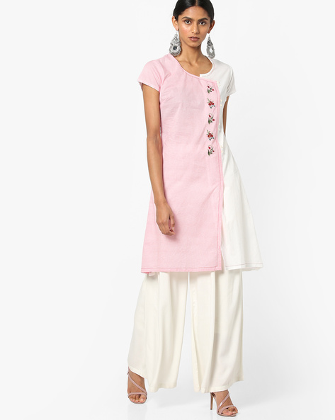 Panelled Straight Kurta With Floral Embroidery By AJIO ( Coral )