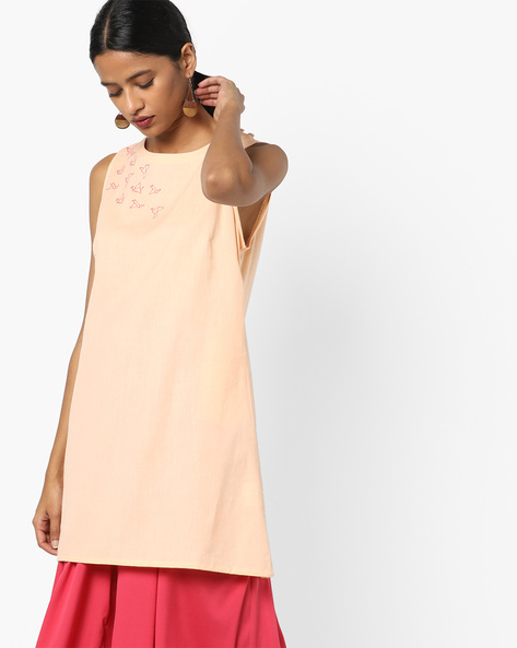 Sleeveless Tunic With Placement Embroidery By AJIO ( Apricot )