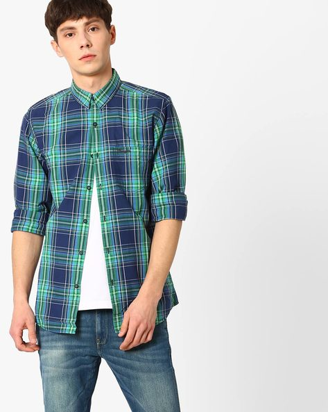 Checked Shirt With Spread Collar By WRANGLER ( Green )
