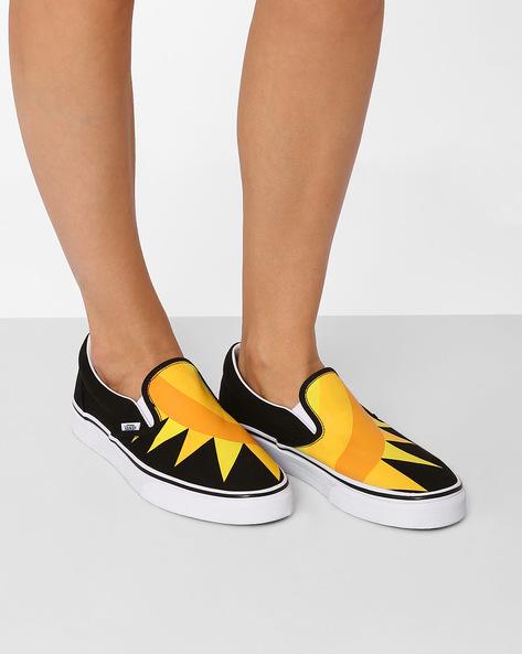 Printed Classic Slip-Ons By Vans ( Black ) - 460061166001