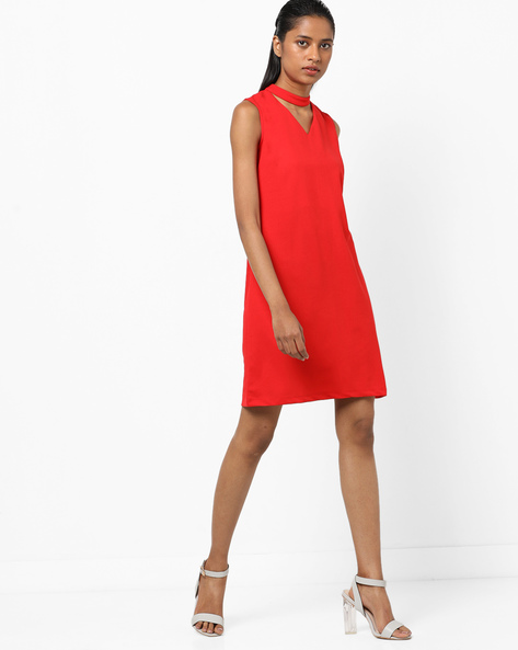 Sleeveless Shift Dress With Choker Neckline By AJIO ( Red )