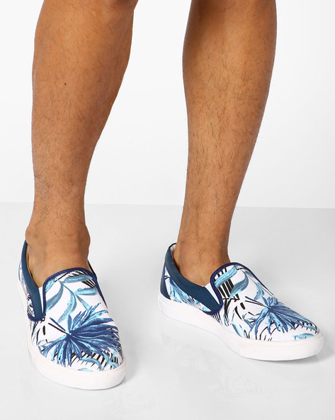 Palm Print Slip-On Shoes By Knotty Derby ( Blue )