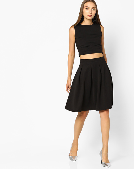 Crop Sleeveless Top With Pleated Skirt By AJIO ( Black )