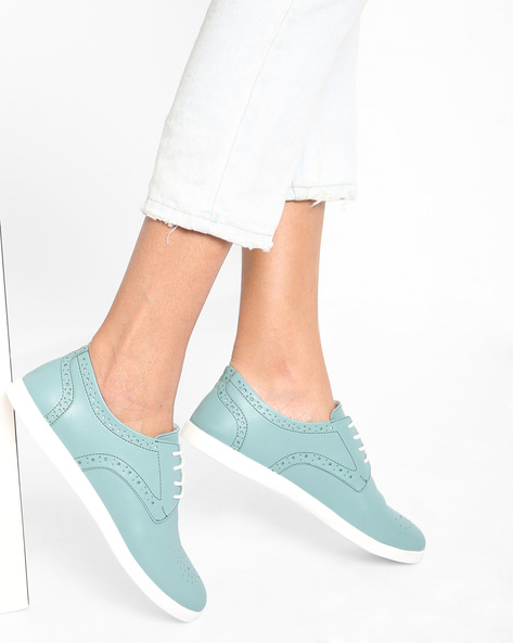 Lace-Up Shoes With Laser Cut-Outs By AJIO ( Green )