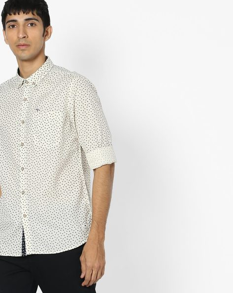 Printed Shirt With Patch Pocket By FLYING MACHINE ( Offwhite )