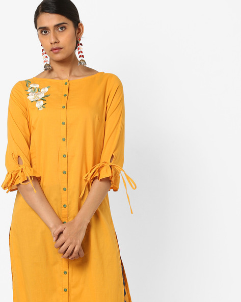Embroidered Straight Kurta With Tie-Up Sleeves By AJIO ( Mustard )