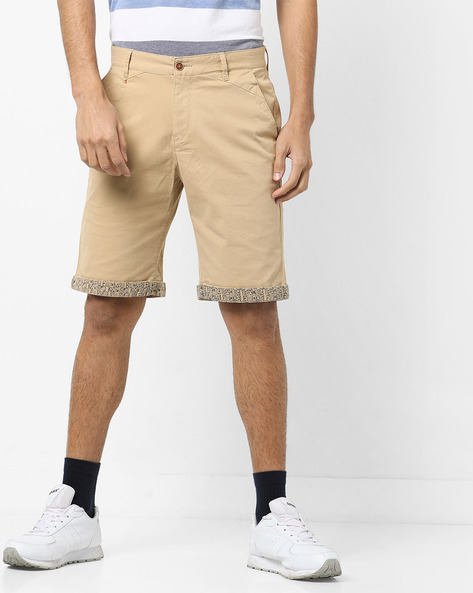 Shorts With Printed Upturned Hems By AJIO ( Khaki )