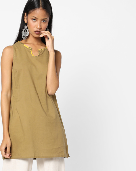 Straight Kurta With Contrast Neckline By AJIO ( Olive ) - 460097296016