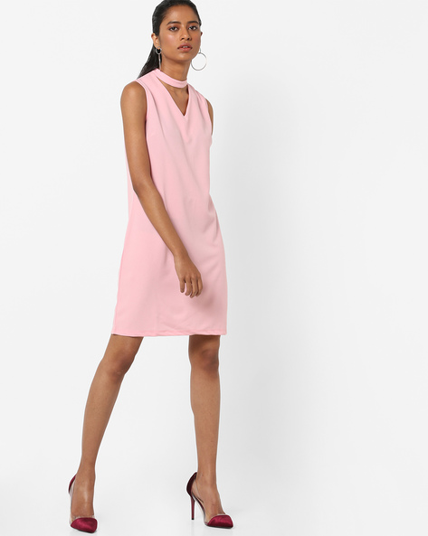 Sleeveless Shift Dress With Choker Neckline By AJIO ( Pink )