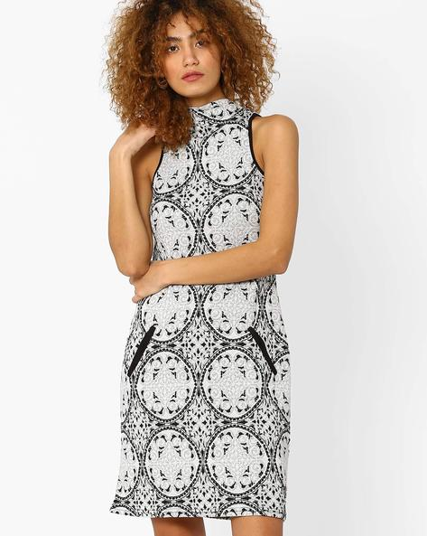 Printed Shift Dress By And ( Multi )