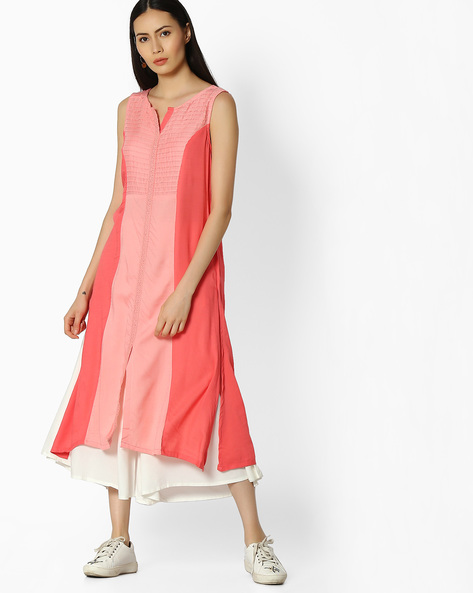 Sleeveless Kurta With Contrast Panel By AVAASA MIX N' MATCH ( Coral )