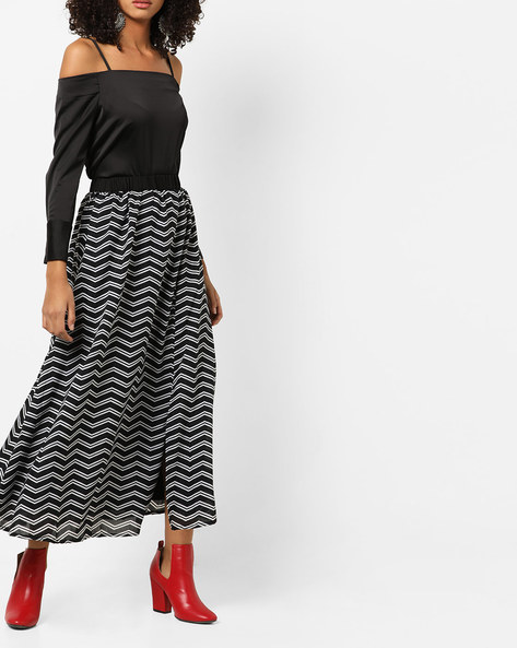 Chevron Print Maxi Skirt With Slits By AMARE ( Black )