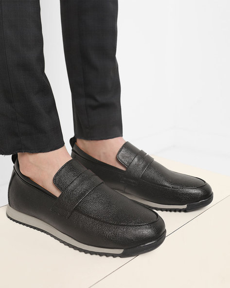 Textured Slip-On Casual Shoes By Piaffe ( Black )