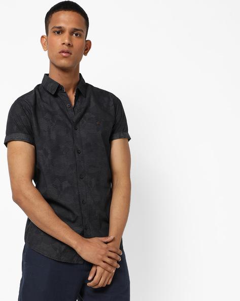 Printed Shirt With Short Sleeves By SPYKAR ( Black )