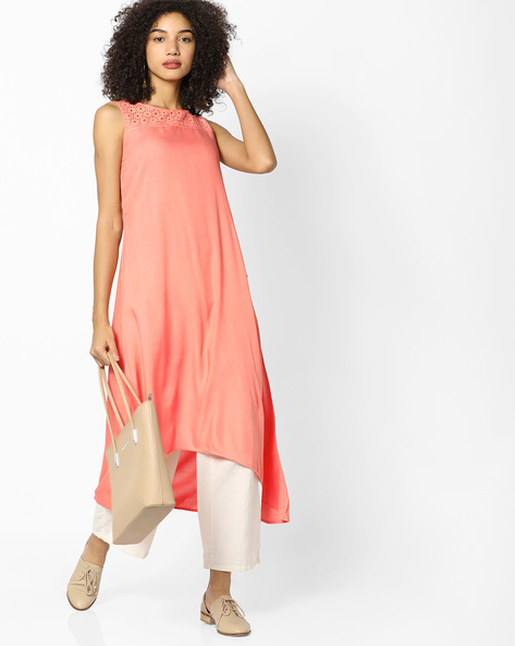 High-Low Kurta With Eyelet Detailing By AVAASA MIX N' MATCH ( Peach )