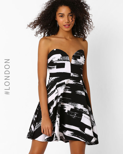 Abstract Print Tube Skater Dress By Zibi London ( Black )