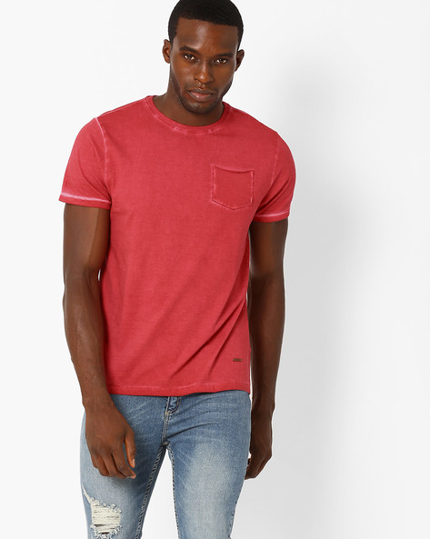 Crew-Neck T-shirt With Patch Pocket By AJIO ( Red )