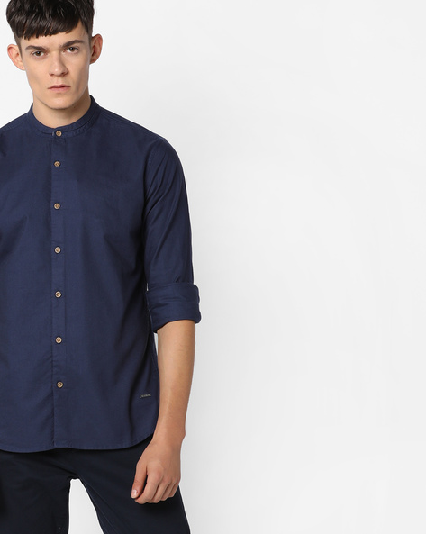 Slim Fit Shirt With Mandarin Collar By AJIO ( Navy )