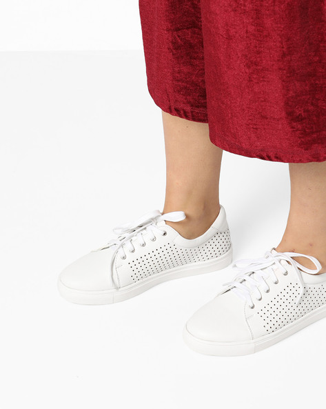 Low-Top Lace-Up Casual Shoes By AJIO ( White )