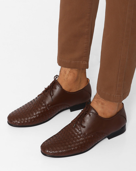 Lace-Up Shoes With Handcrafted Weave By Modello Domani ( Brown )