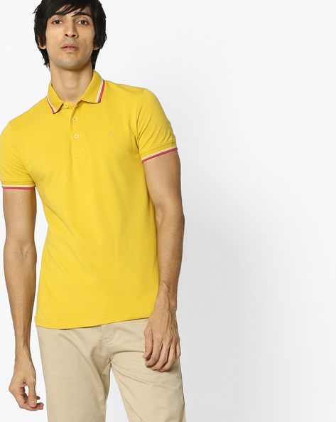 Polo T-shirt With Contrast Tipping By UNITED COLORS OF BENETTON ( Yellow )