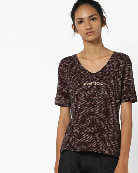Printed Casual V-neck T-shirt By UNITED COLORS OF BENETTON ( Black )