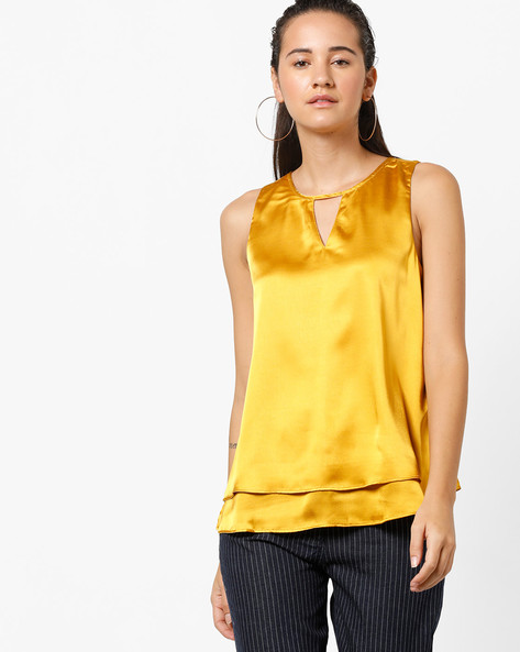Sleeveless Layered Top With Cut-Out By Vero Moda ( Golden )