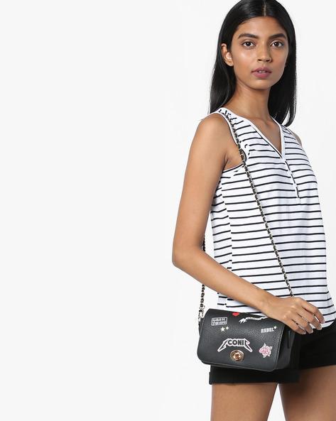 Sleeveless Striped T-shirt By AJIO ( Black )