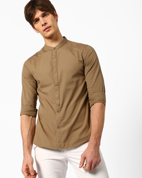 Slim Fit Shirt With Mandarin Collar By AJIO ( Darkkhaki )