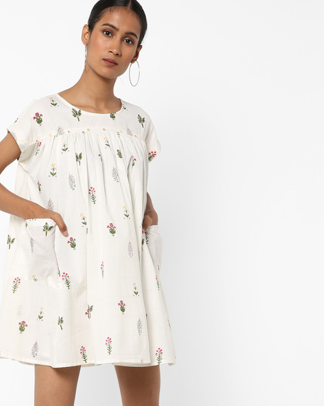 Floral Print Swing Dress With Pockets By AJIO ( White )