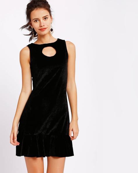 Velvet Dress With Ruffled Hemline By RIDRESS ( Black )