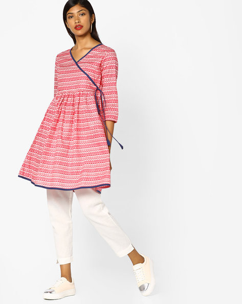 Printed Kurta With Mock Tie-Up By AJIO ( Fuchsia )