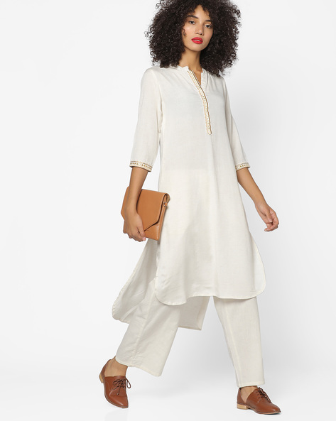 High-Low Kurta With Embroidery By AVAASA MIX N' MATCH ( Cream )