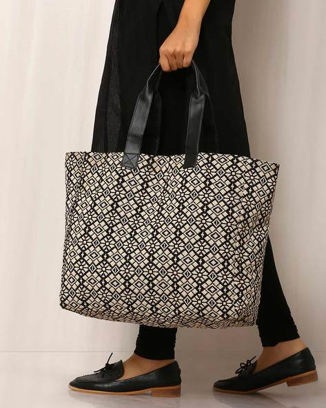 Handwoven Geometric Print Cotton Tote Bag By Molcha ( Multi ) - 460038592001