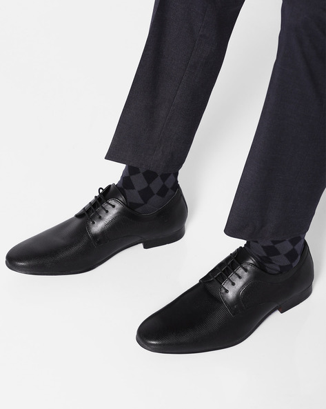 Genuine Leather Textured Formal Shoes By RED TAPE ( Black )