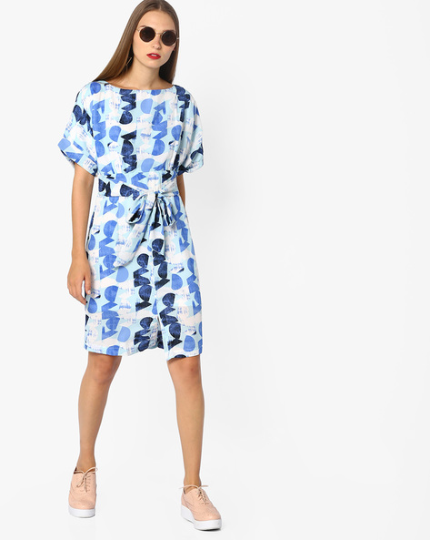 Printed Shift Dress With Waist Tie-Up By AJIO ( Navyblue )
