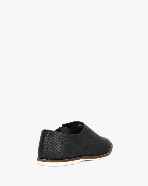 N9-Treated Slip-On Casual Shoes By AJIO ( Black )