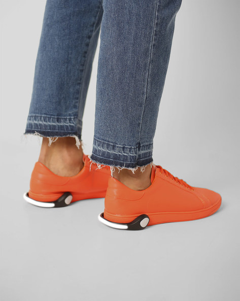 Lace-Up Sneakers With Detachable LED Bands By AJIO ( Orange )