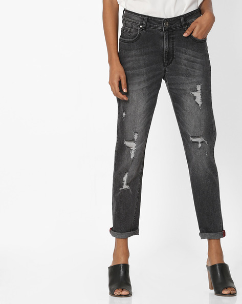 Mid-Wash Relaxed Fit Distressed Jeans By Tarama ( Black )