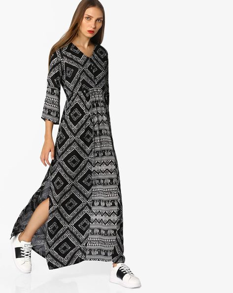 Printed Maxi Dress By AJIO ( Black )