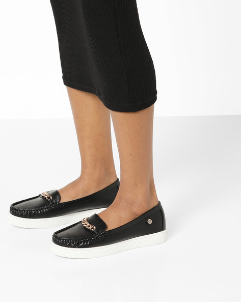 Textured Moccasins With Metal Accents By Carlton London ( Black )