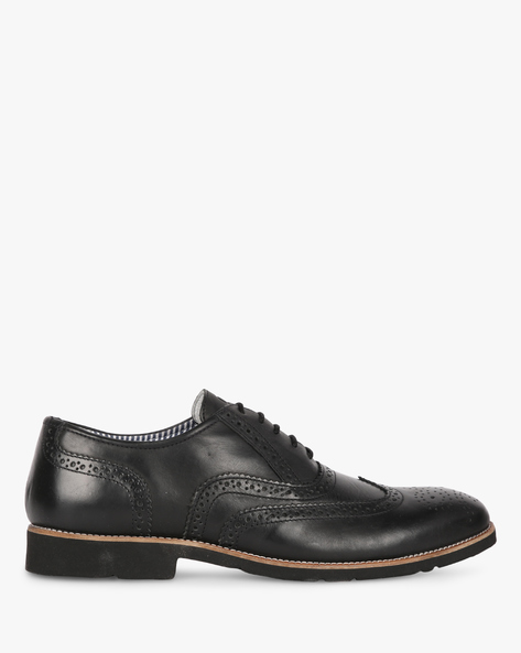 Lace-Up Leather Shoes With Broguing By UNITED COLORS OF BENETTON ( Black )