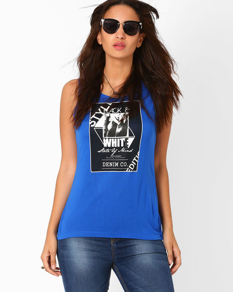 Sleeveless Graphic Print Top By AJIO ( Blue )