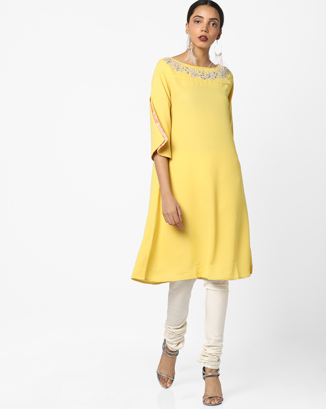 Drop-Shouldered Kurta With Floral Embroidery By AJIO ( Mustard )