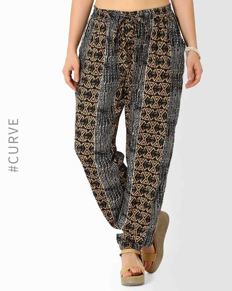 Printed Mid-Rise Trousers By Oxolloxo ( Multi )