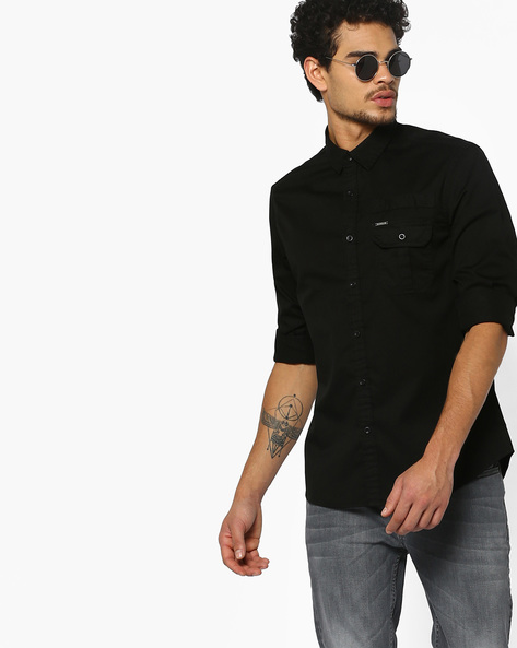 Slim Shirt With Buttoned Flap Pocket By AJIO ( Black )