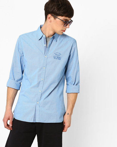 Regular Fit Yarn-Dyed Woven Shirt By WRANGLER ( Blue )