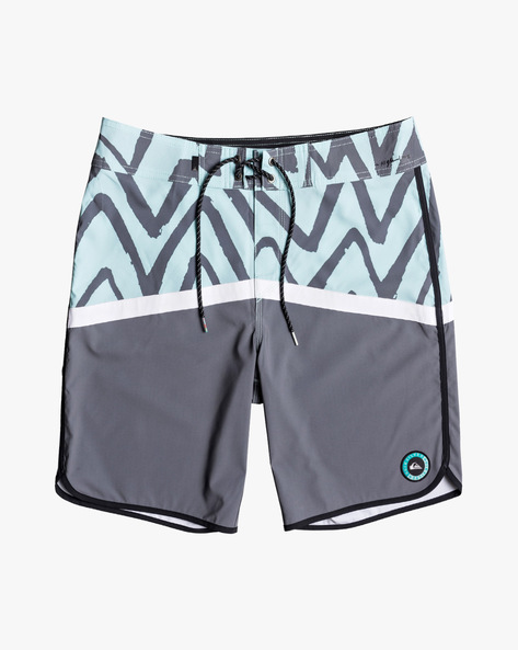 Colourblock Printed Shorts With Drawstring Waist By QUIKSILVER ( Bfd6 )