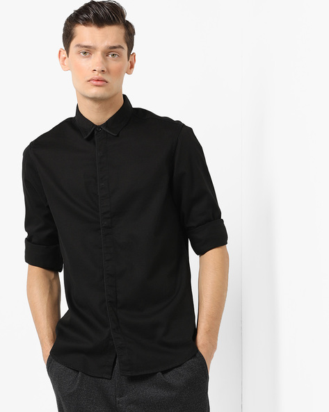 Slim Fit Shirt With Button-Down Collar By AJIO ( Black )