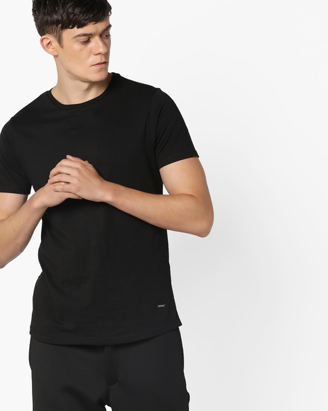 Slim Fit T-shirt With Printed Back By AJIO ( Black )